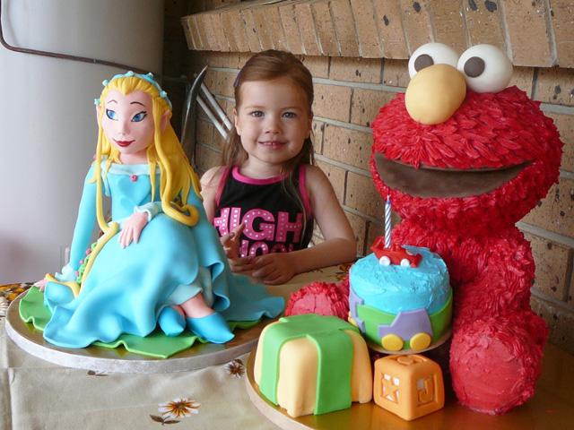 Rani and Elmo cakes ZGE Blog